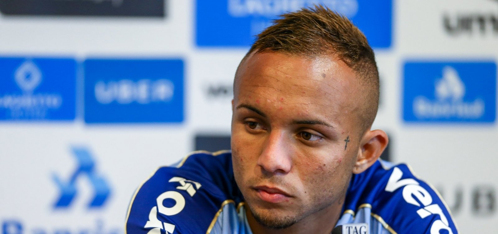 [Com futuro incerto no Grêmio, Everton é confirmado em jogo contra o Bahia]