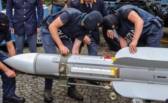 [Polícia italiana encontra míssil com ativistas de extrema direita]