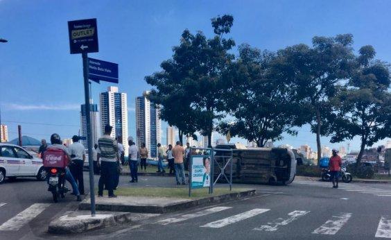 [Carros capotam nas proximidades do Bela Vista, em Salvador]