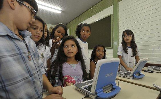[Apenas 44% dos alunos da rede pública aprendem sobre segurança na internet]