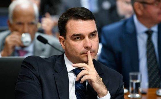 [Flávio Bolsonaro quer imposto único sobre movimentação financeira]