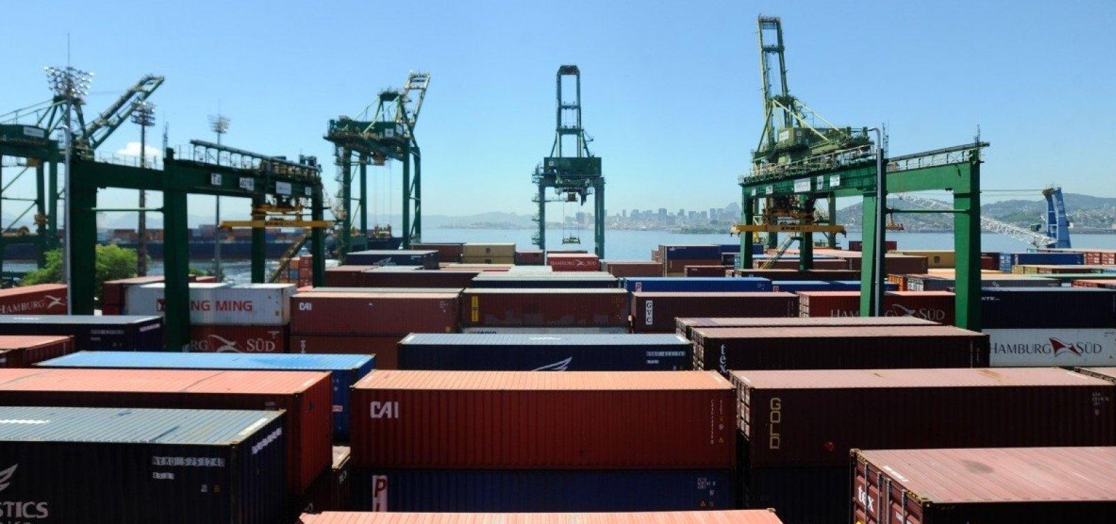 [Brasil registra queda de 10,4% em exportações em junho]