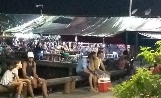 [Prefeitura derruba bar de vereador instalado irregularmente em praça pública]