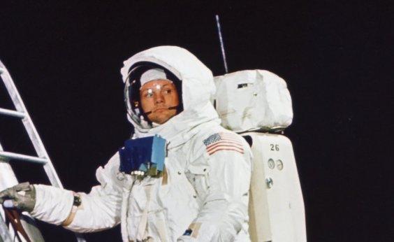 ['Salto gigantesco para a humanidade': hoje faz 50 anos que o homem pisou pela primeira vez na Lua]