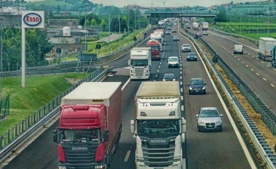 [Novas regras do frete mínimo para caminhoneiros entram em vigor a partir de hoje]