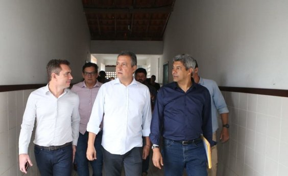 [Bolsonaro limita participação de aliados de Rui em inauguração de aeroporto em Conquista]