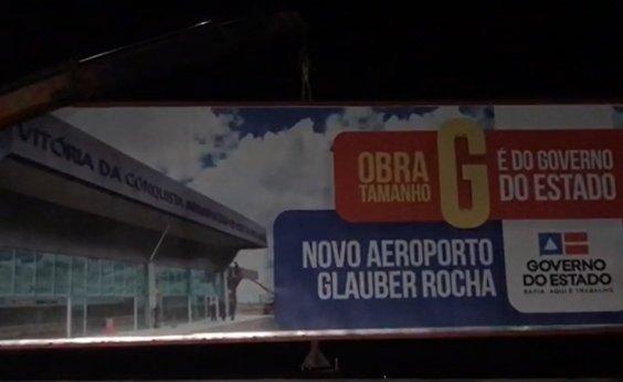 [Aliados de Rui acusam prefeitura de Conquista de retirar outdoors na entrada do aeroporto]