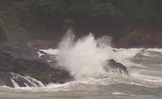 [Alerta de mau tempo em Salvador é estendido até quarta-feira]