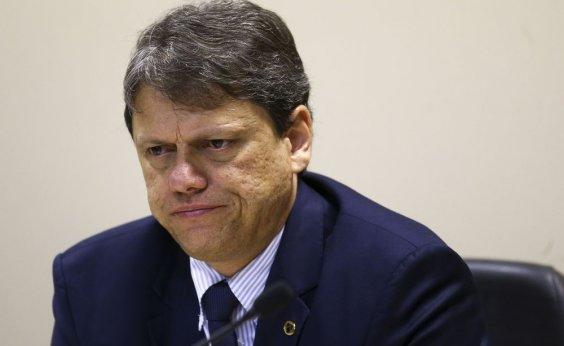 [Ministro da Infraestrutura confirma suspensão da nova tabela de frete rodoviário]