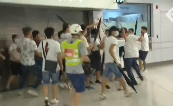 [Grupo ataca manifestantes em metrô de Hong Kong e deixa 45 feridos]