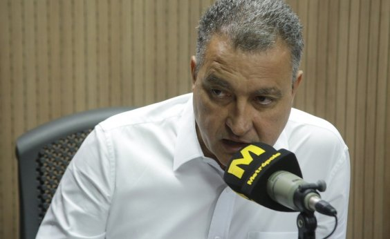 [Bolsonaro reclama de ausência da PM em aeroporto; governador rebate: 'Quem é impopular fica em seu gabinete']