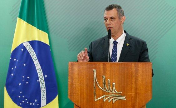 [General da reserva defende Rêgo Barros e diz que Carlos 'quer assumir o papel de porta-voz']