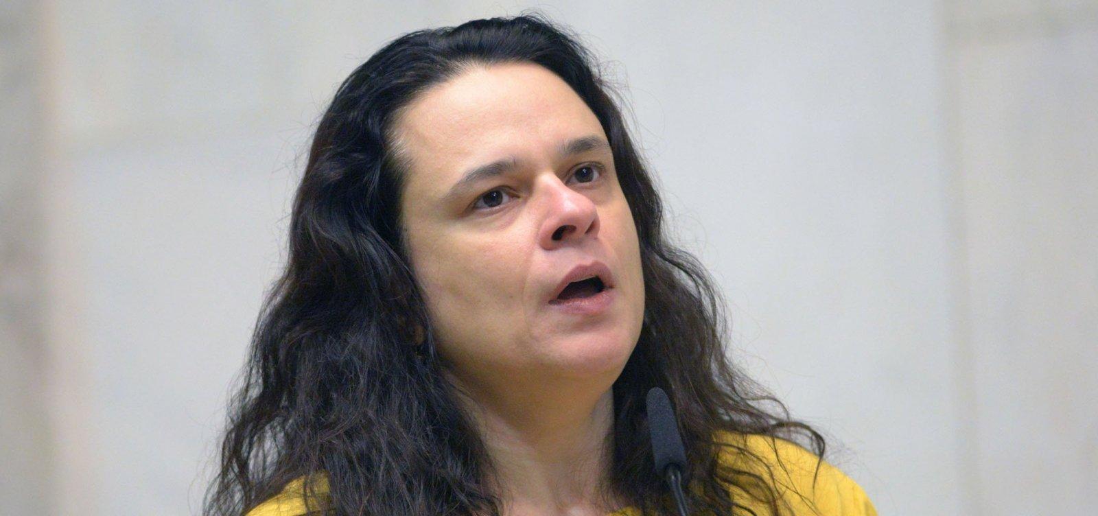 [Janaina Paschoal protocola pedido de impeachment contra Toffoli]