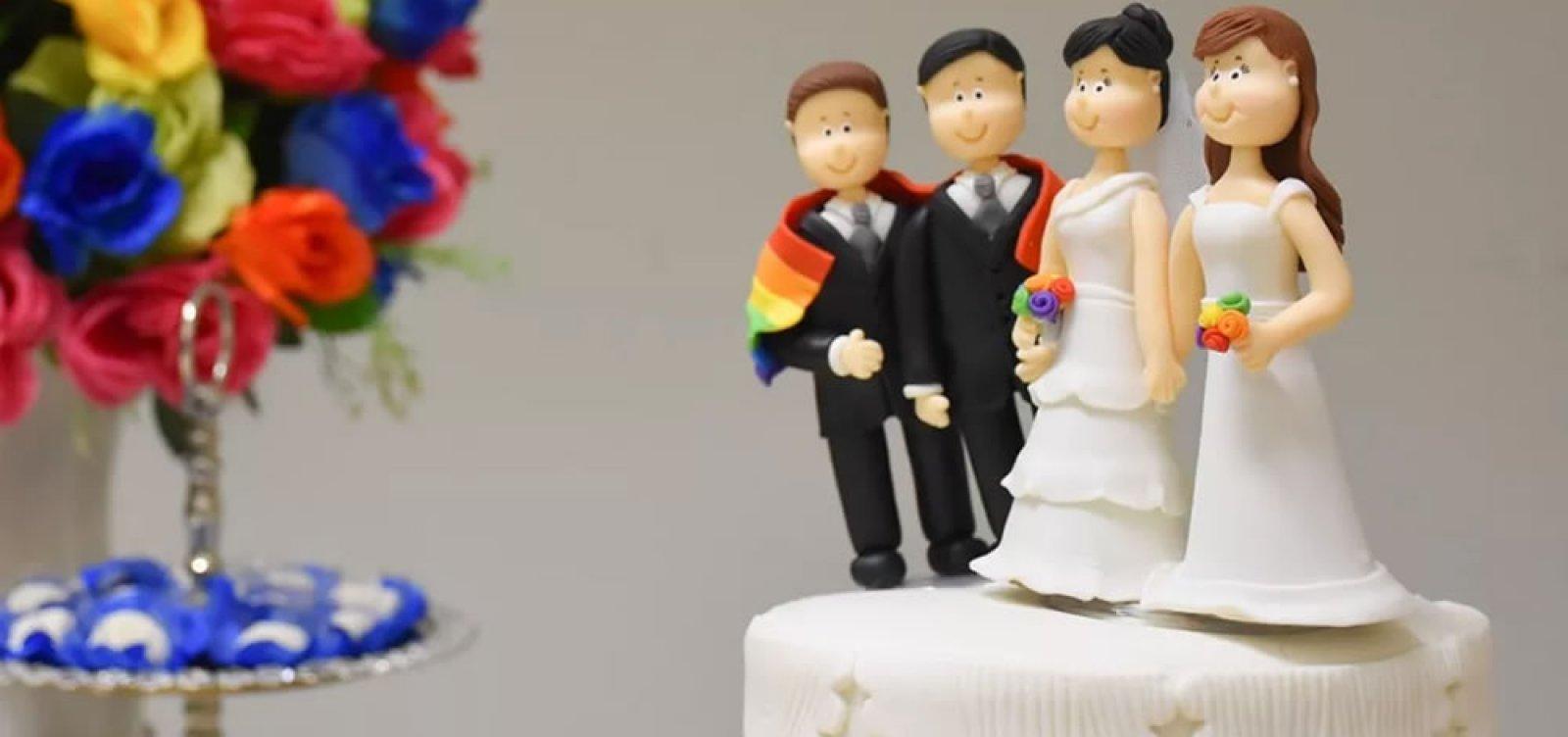 [Defensora relata alta procura por casamento coletivo LGBT: 'Casais temem retrocesso' ]