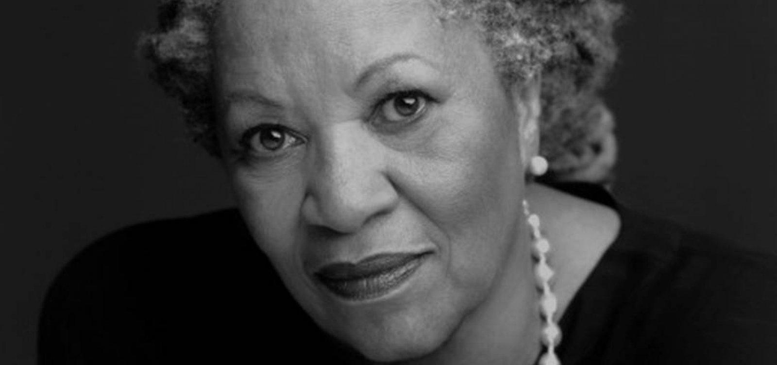[Morre Toni Morrison, prêmio Nobel de Literatura]