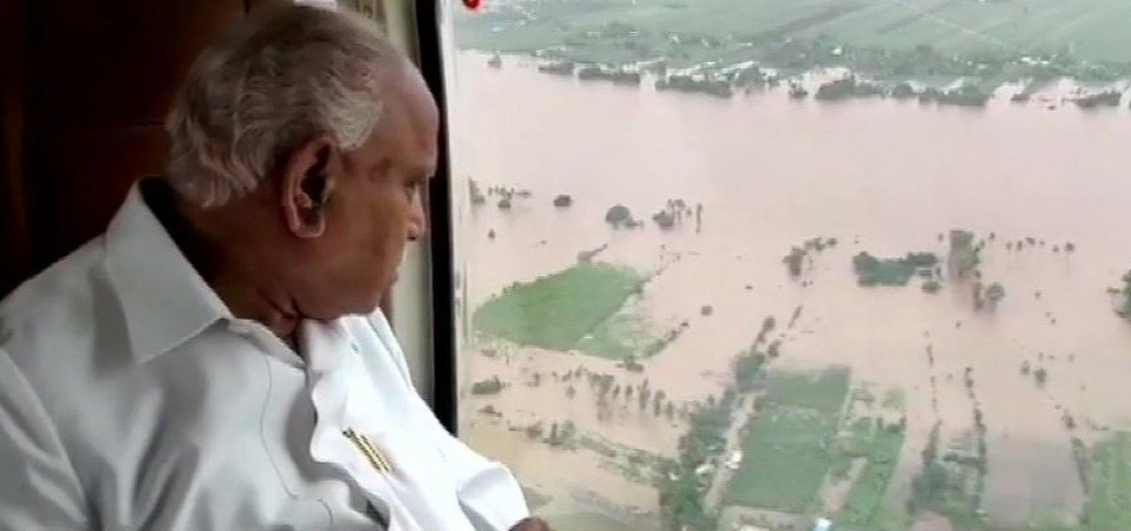 [Inundações deixam 28 mortos e milhares desabrigados na Índia]
