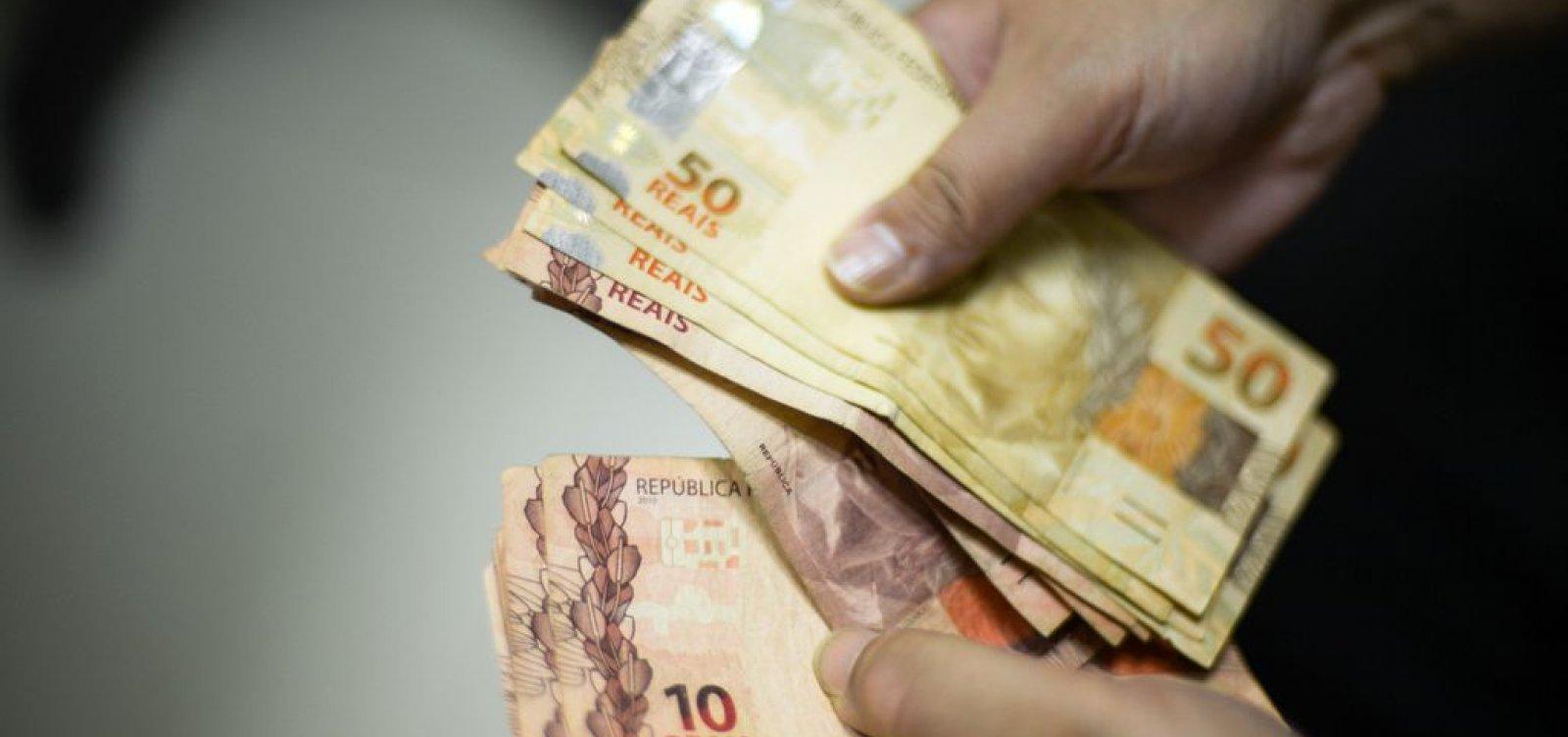 [De cada 100 inadimplentes, 37 devem até R$ 500]