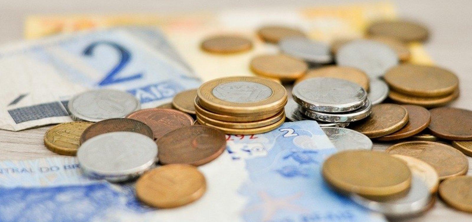 [37% dos inadimplentes devem até R$ 500, diz CNDL]