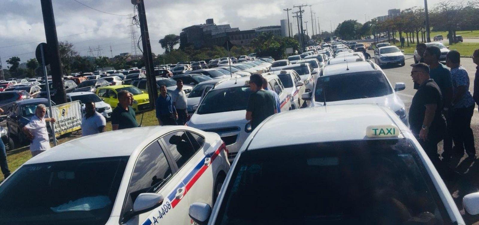 [Presidente de sindicato dos taxistas acusa Lorena Brandão de distorcer projeto]