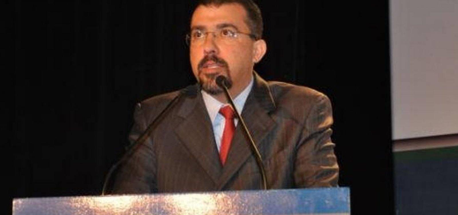 [CNMP suspende procurador baiano que chamou Bolsonaro de 'bunda-suja e fascista']