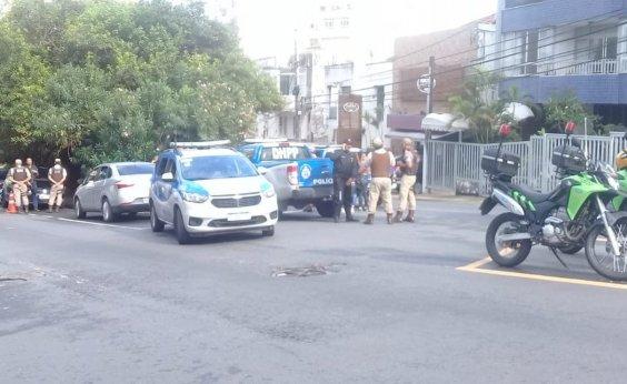 [Uruguaio é encontrado morto dentro de carro na Barra]