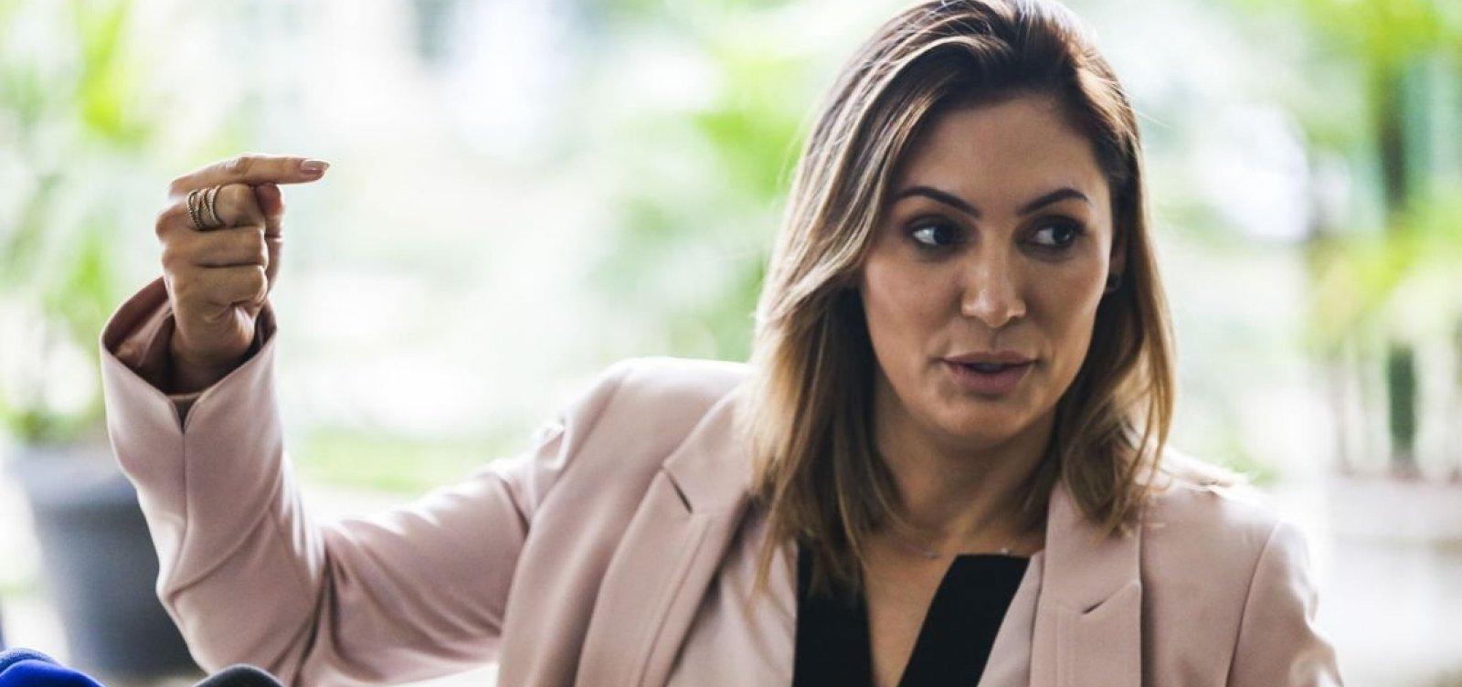 [Avó de Michelle Bolsonaro era traficante e mãe foi indiciada por falsificação ideológica, diz revista]