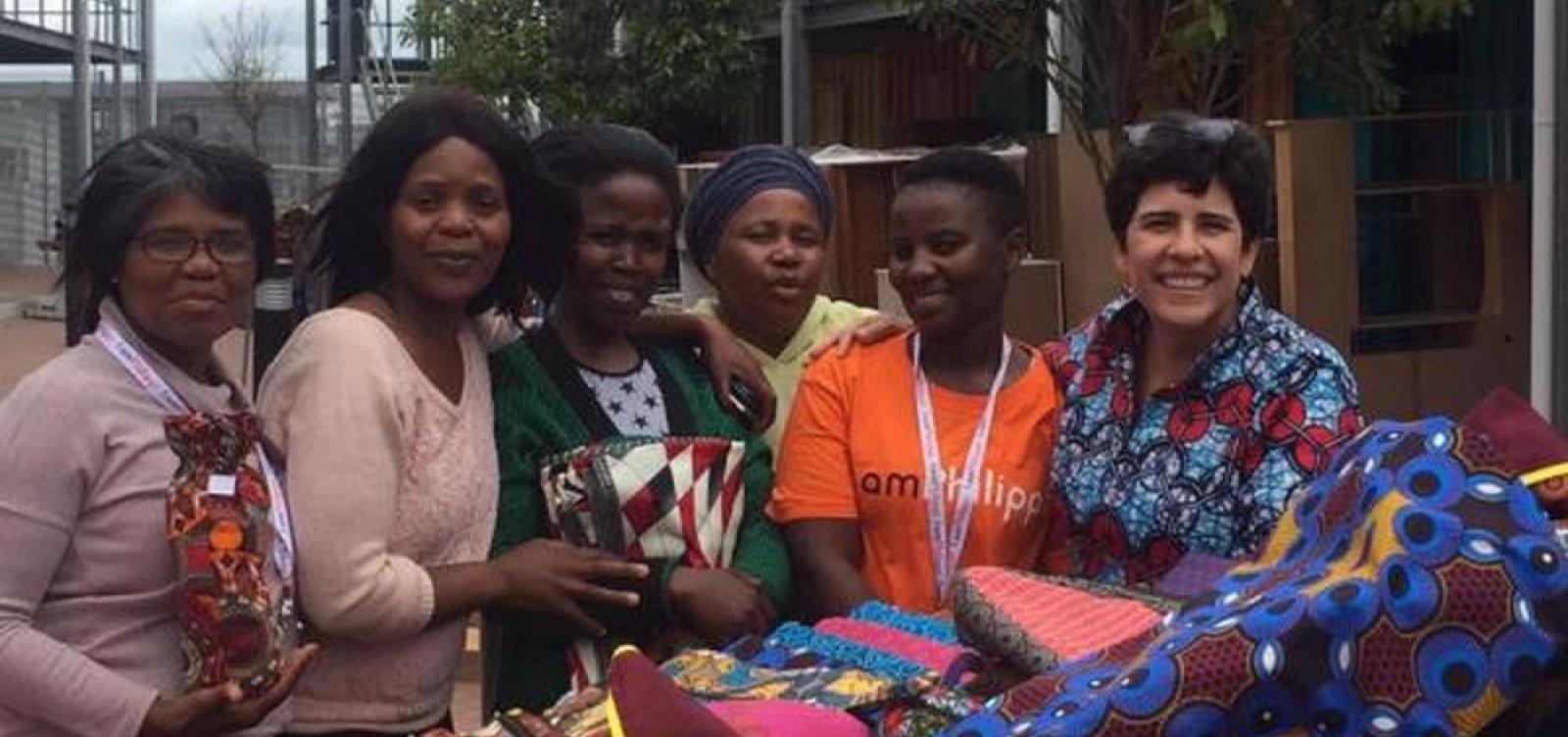 [Brasileira cria projeto para empoderar mulheres em favelas sul-africanas]