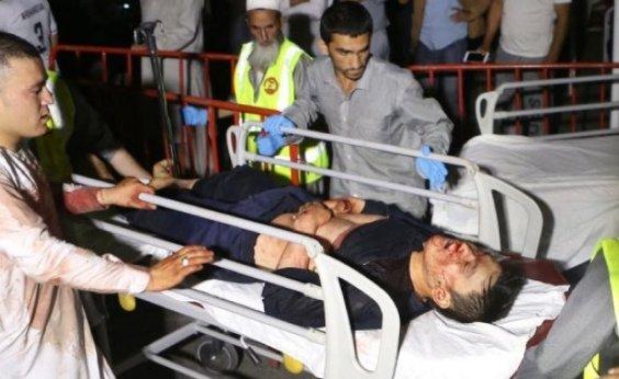 [Ataque em casamento em Cabul deixa mais de 60 mortos]