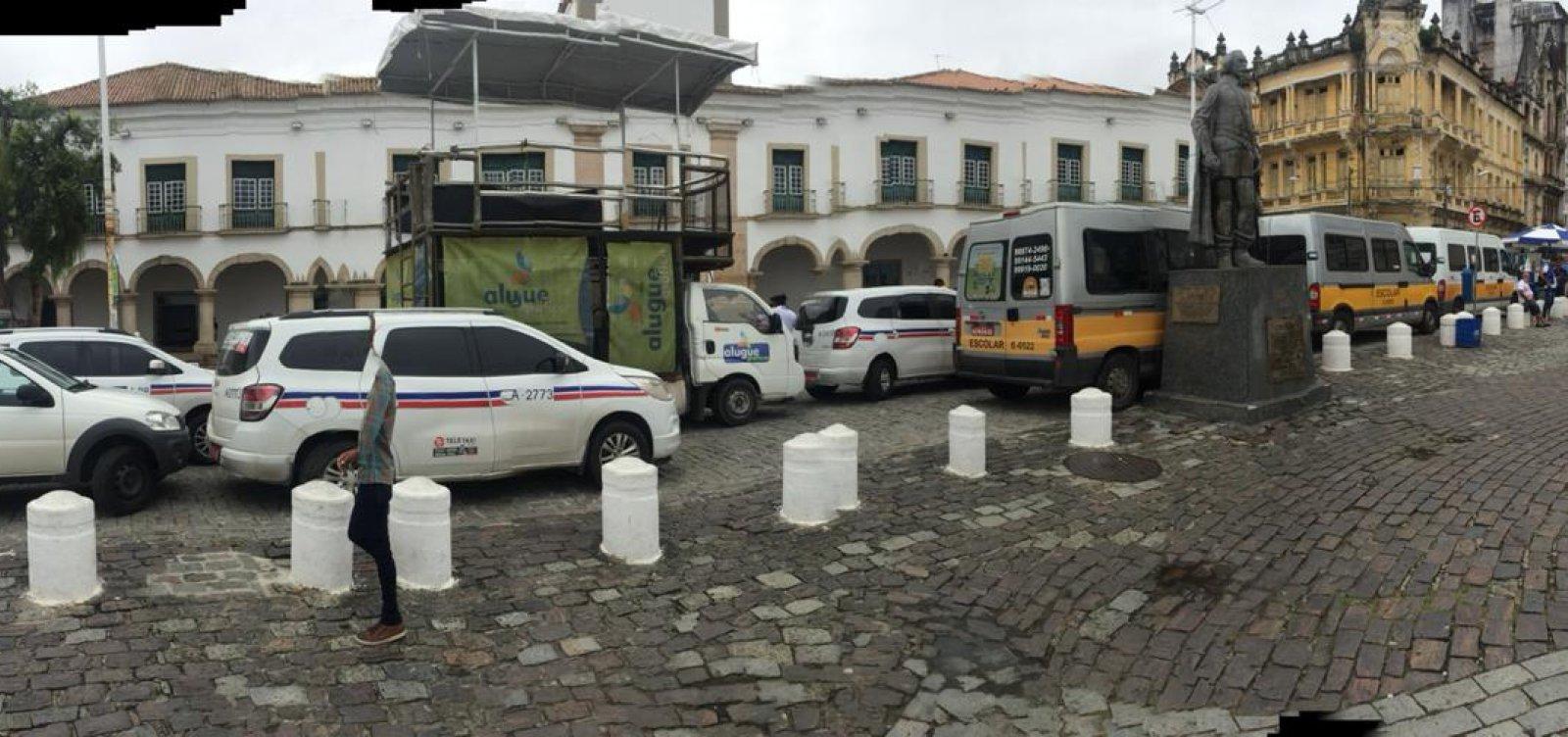 [Taxistas fazem novo protesto em frente à CMS para pedir 'regulamentação igualitária' de aplicativos]