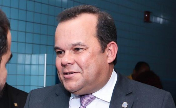 [ Presidente da Câmara cobra 'equilíbrio' entre demandas de motoristas de aplicativos e taxistas]