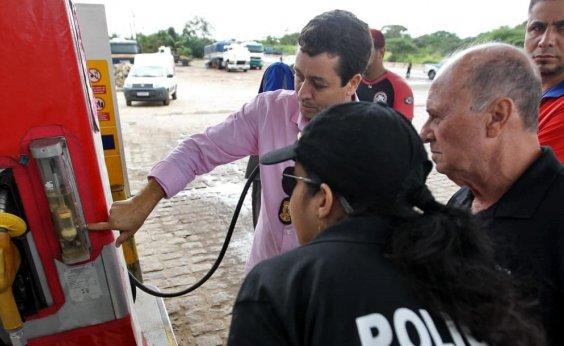 [Governo autua 16 postos de combustíveis no estado por fraude]