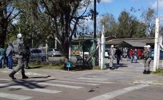 [Homem com machadinha ataca escola no RS e deixa quatro feridos]