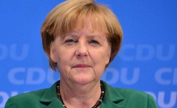 [Merkel sinaliza a Johnson possível renegociação do Brexit]