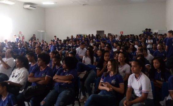 [Sapeaçu: Projetos Estruturantes são lançados no Colégio Estadual Doutor Eliel da Silva Martins]