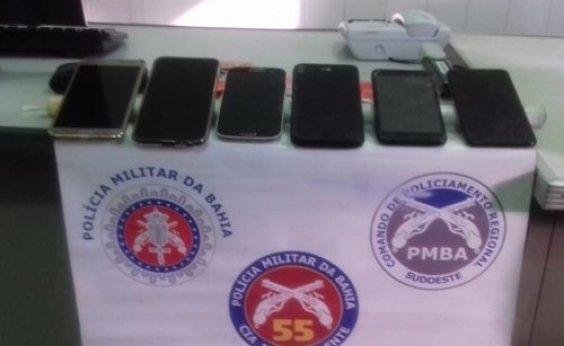 [Suspeitos de assaltar ônibus em Ipiaú são presos; celulares são recuperados]