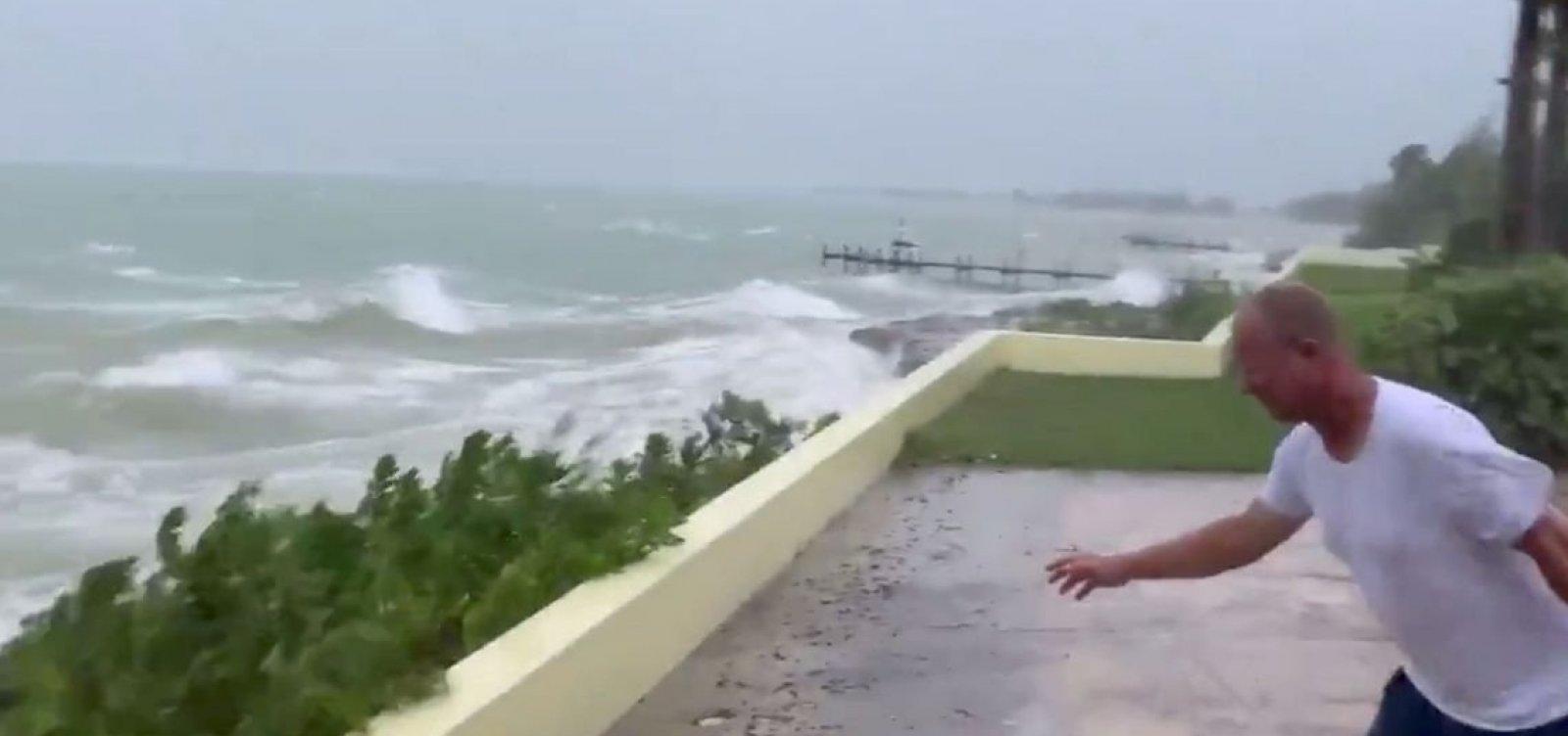 [EUA ordena que 1 milhão de pessoas deixem suas casas devido ao furacão Dorian]