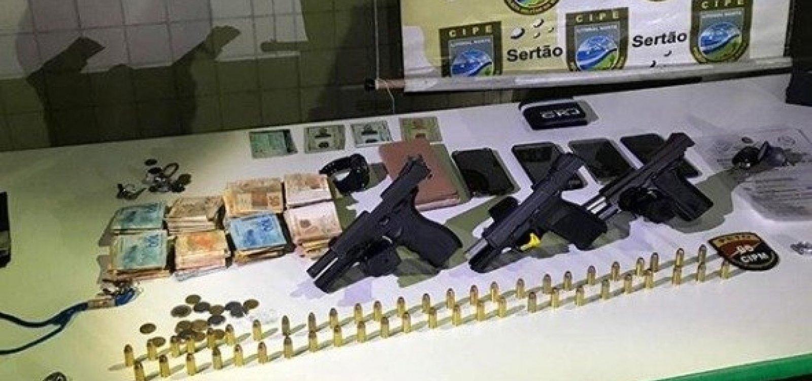 [Catu: Criminosos tentam subornar policiais com R$ 12 mile são presos]