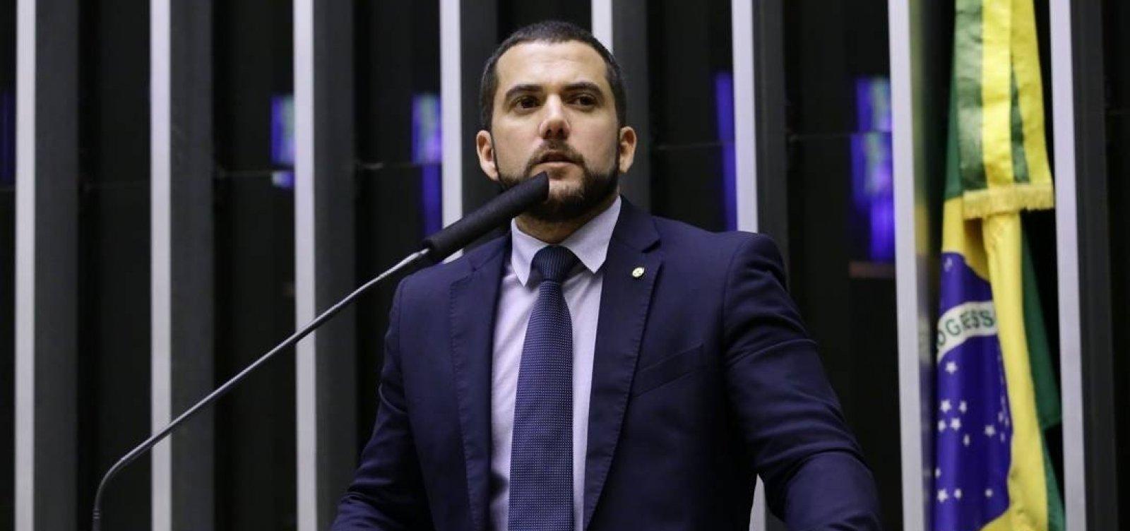 [Juiz ordena que Twitter apague fake news de deputado do PSL sobre Felipe Neto]