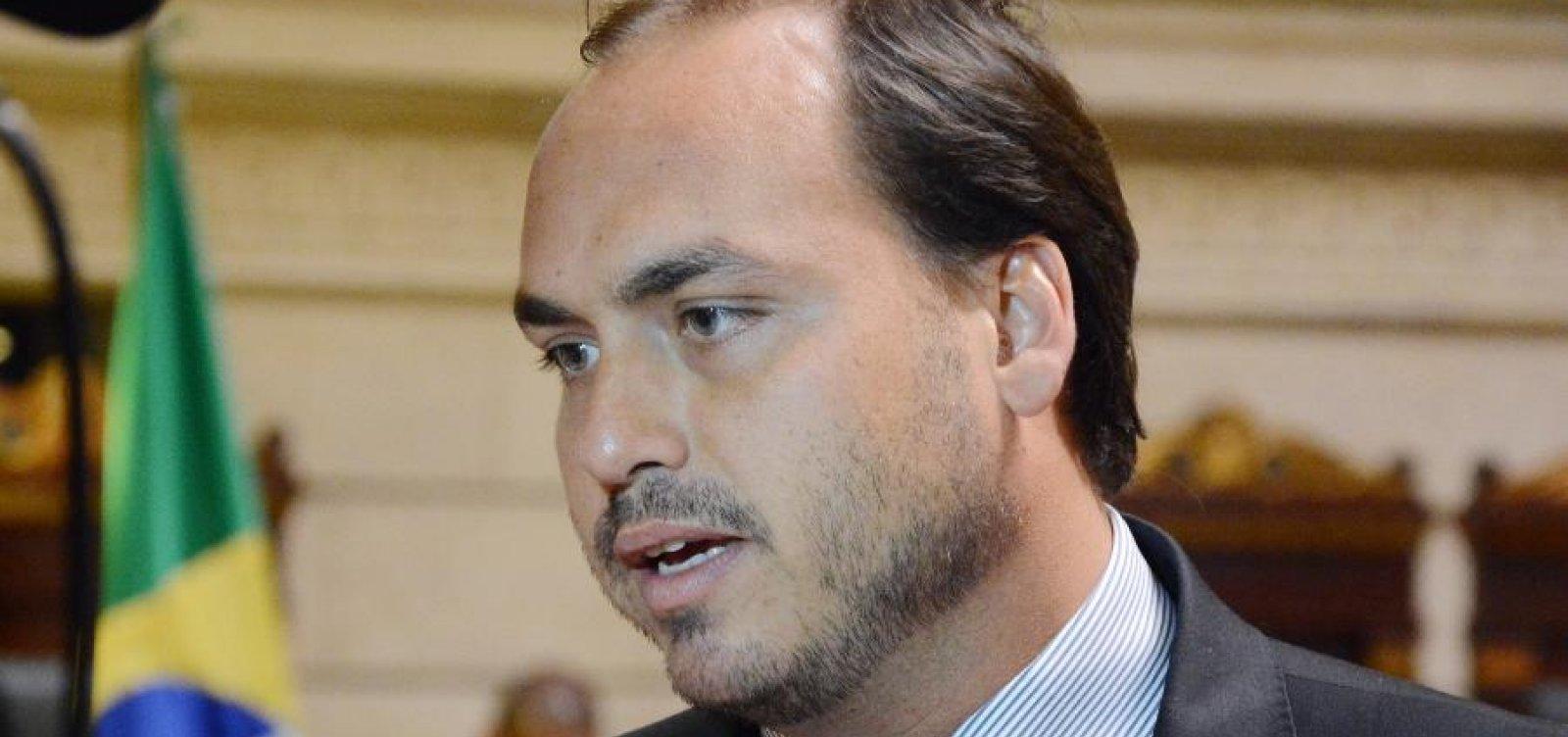 ['Por vias democráticas a transformação que o Brasil quer não acontecerá', diz Carlos Bolsonaro]
