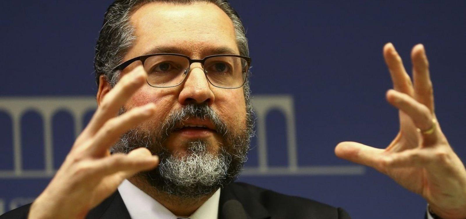 [Em discurso nos EUA, Ernesto Araújo critica 'alarmismo climático' ]