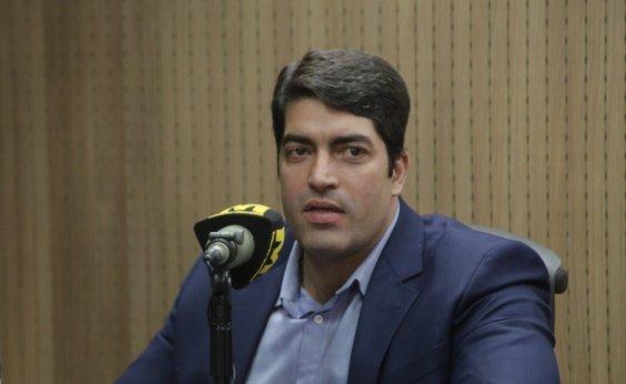 [Otto Alencar Filho diz que Bolsonaro 'flerta' com fim da democracia: 'Fazendo igual a Hitler']