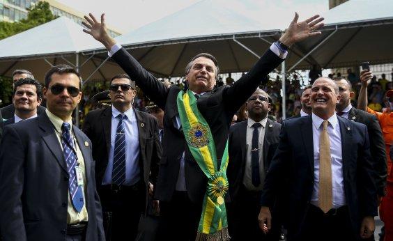 [Mesmo com ordem de repouso, Bolsonaro antecipa volta ao cargo]