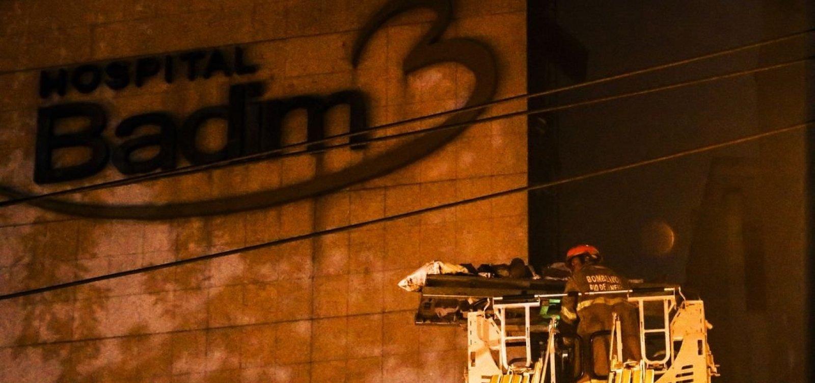 [Morre 13ª vítima de incêndio em hospital no Rio]
