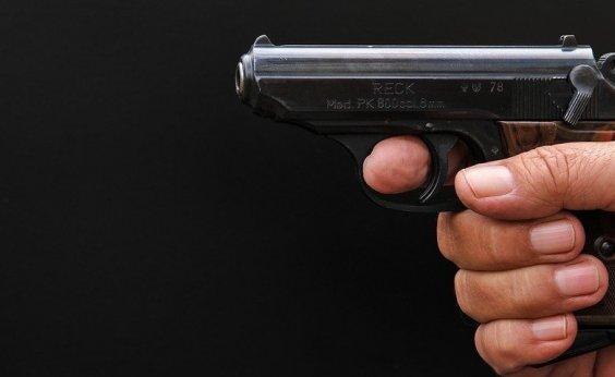 [Projeto que amplia posse de arma no campo é sancionado]