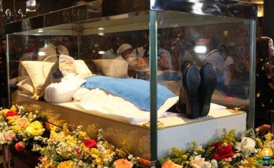 [Parte do corpo de Irmã Dulce será entregue ao Papa Francisco]