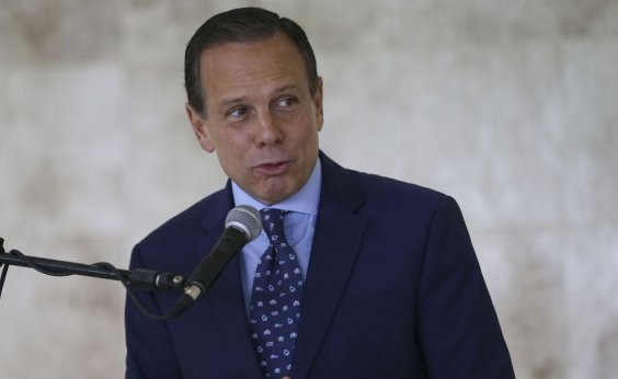 [Doria diz que Bolsonaro precisa trabalhar mais e tuitar menos]