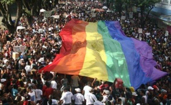 [Parada LGBT altera tráfego de veículos neste domingo]