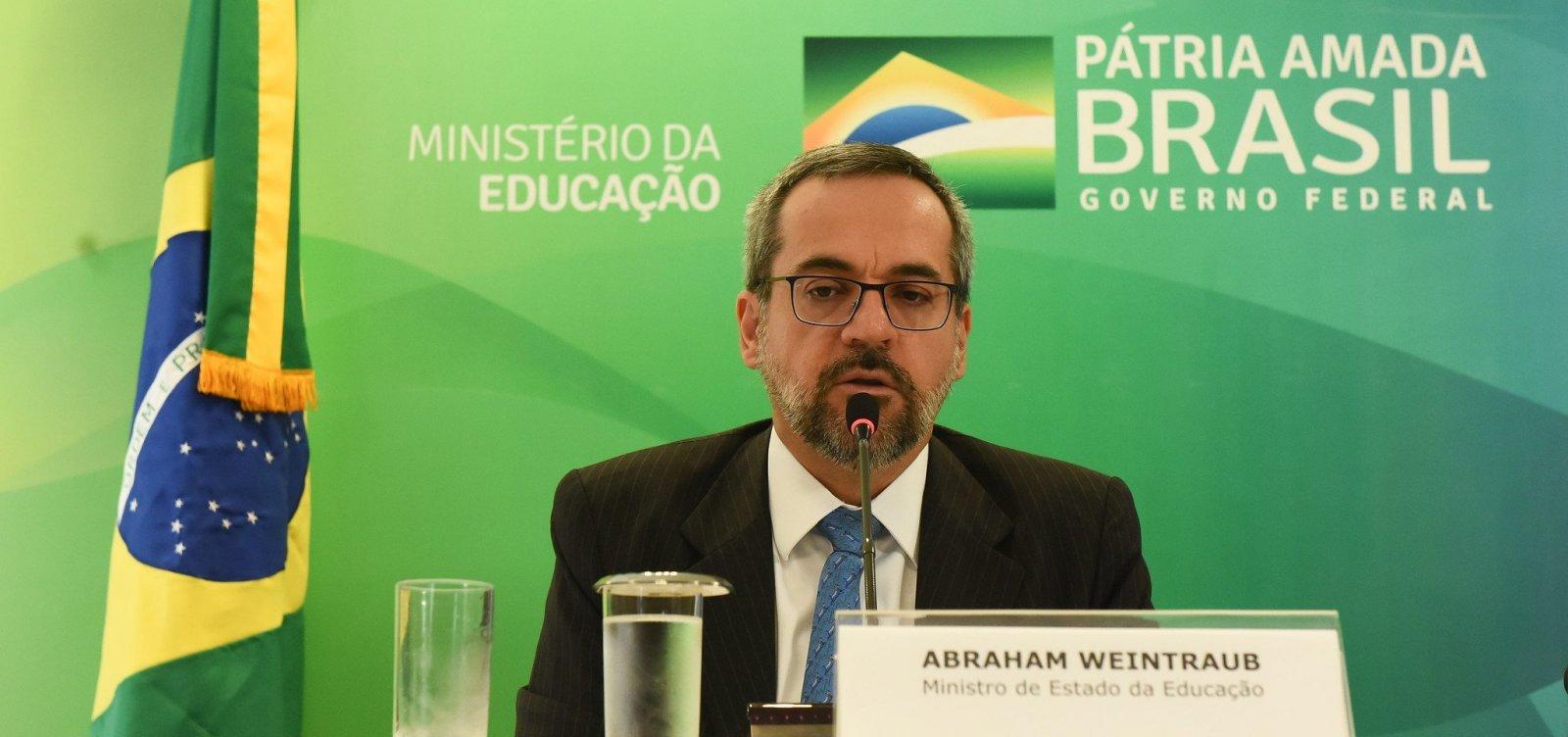 [15 estados e DF aderem a projeto de escolas militares do governo Bolsonaro]