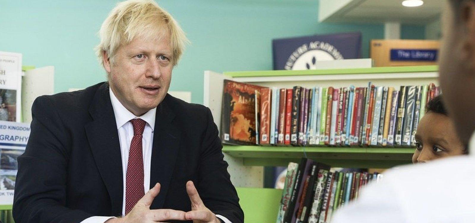 [Primeiro-ministro do Reino Unido entrega proposta final do Brexit]
