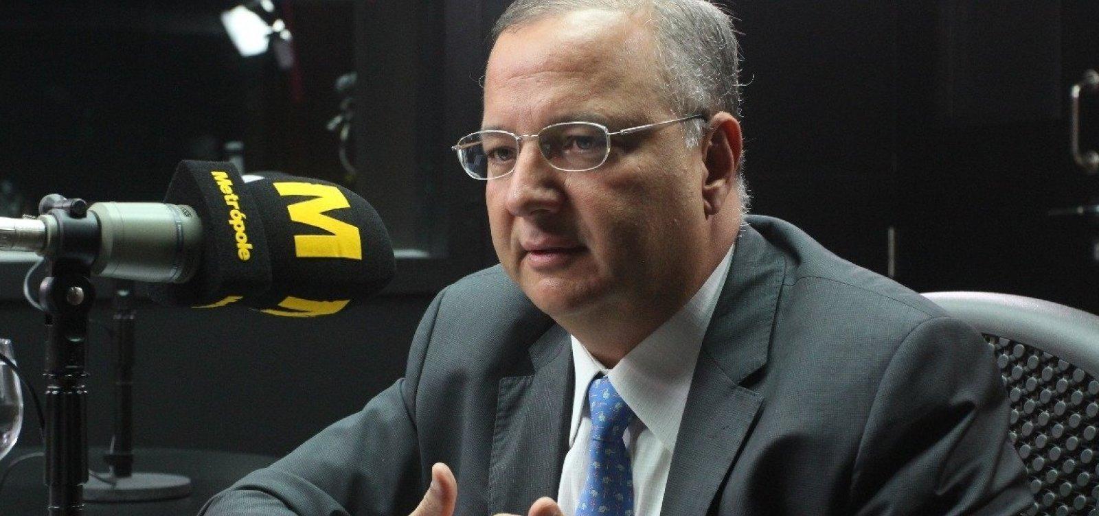 [Secretário de Saúde alerta para 'fake news' sobre vacinação contra sarampo]